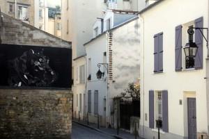 Rue piétonne avec streetart dans Paris 13eme arrondissement