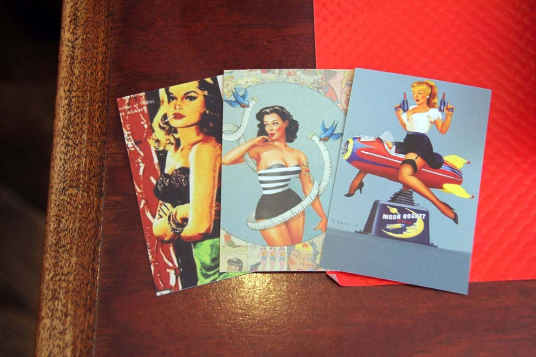 cartes postales pin up vintage