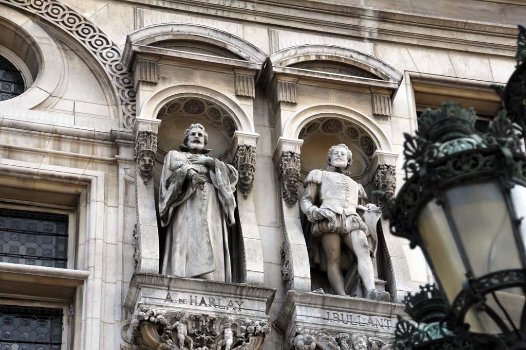 statues façade Hôtel de Ville Paris