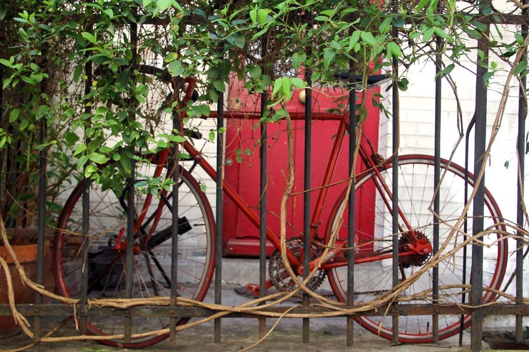 Vélo rouge vintage
