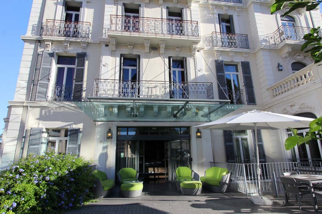 façade terrasse Villa Garbo à Cannes