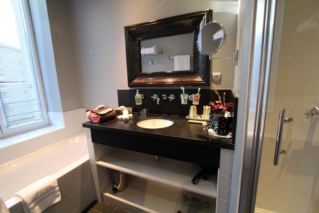 Villa Garbo à Cannes salle de bains