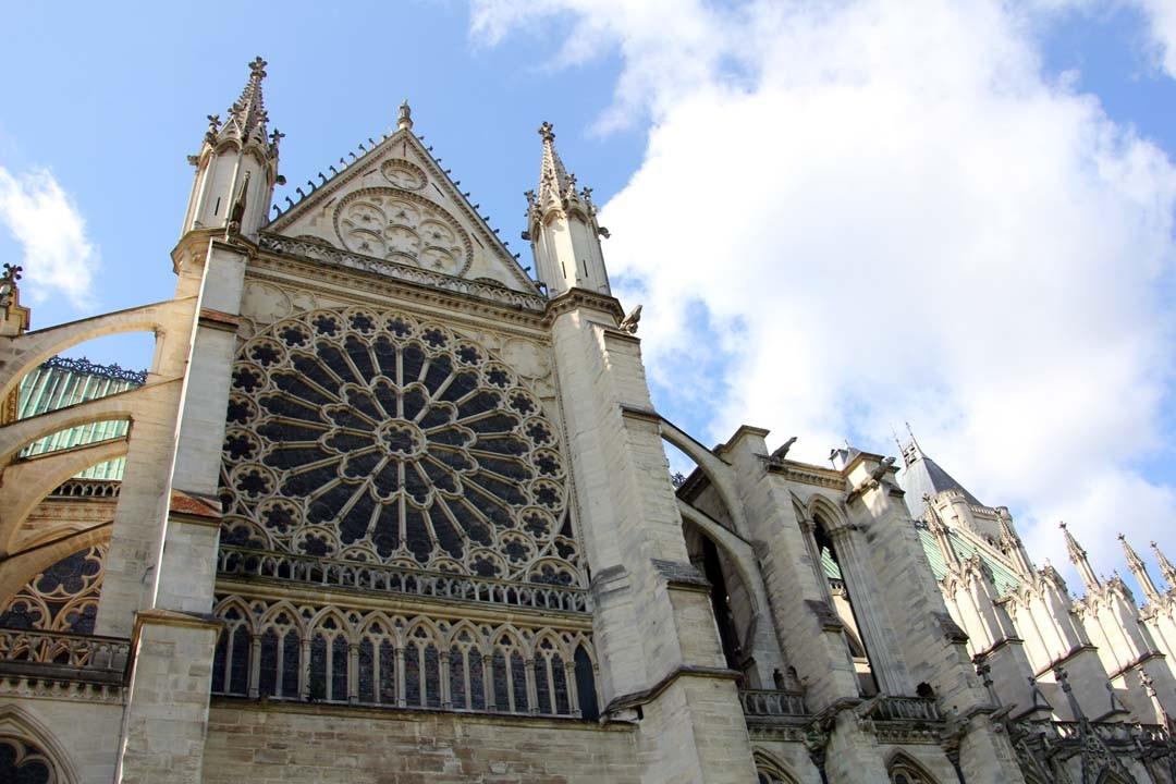 Façade de la Basilique Saint-Denis