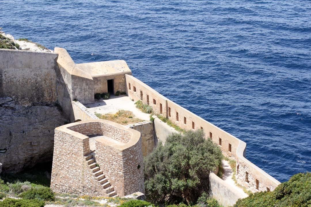 Fortifications chemin des douaniers Bonifacio Corse