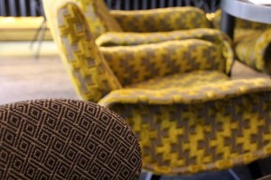 Canapé vintage motif geométrique