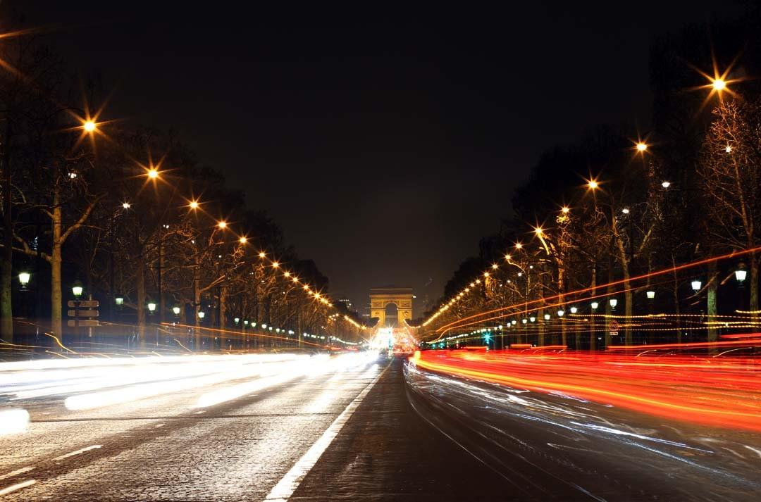 Champs Elysées la nuit