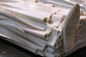 Détail sculptés dans le marbre