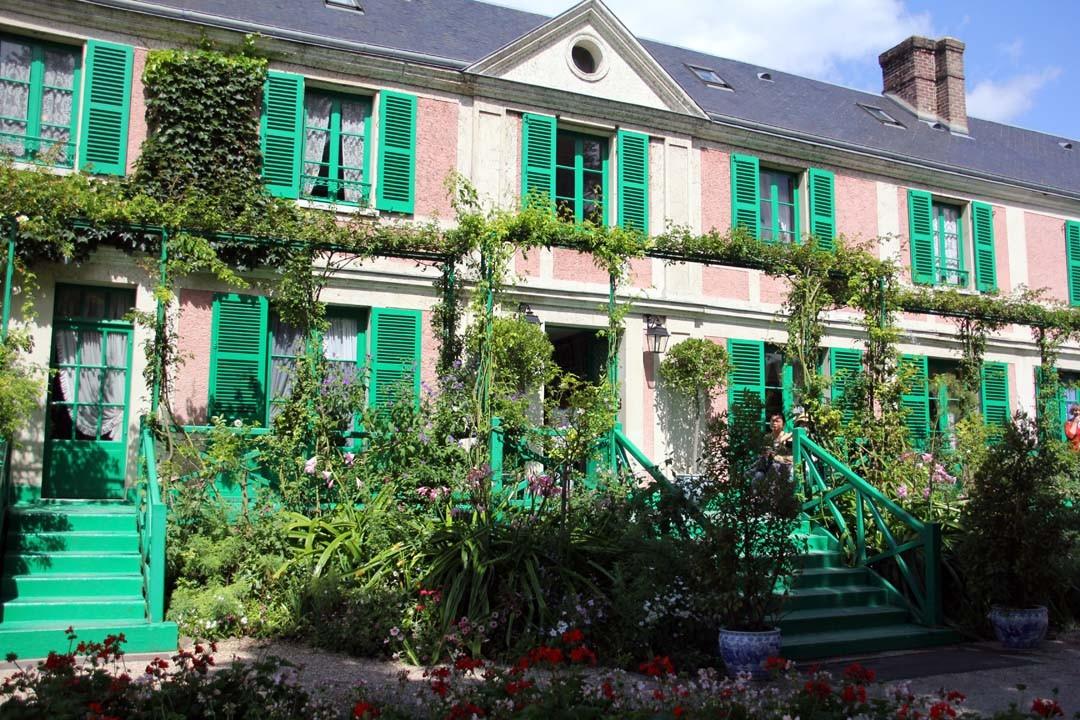 Maison et jardins de claude monet giverny happy us book for Maison online