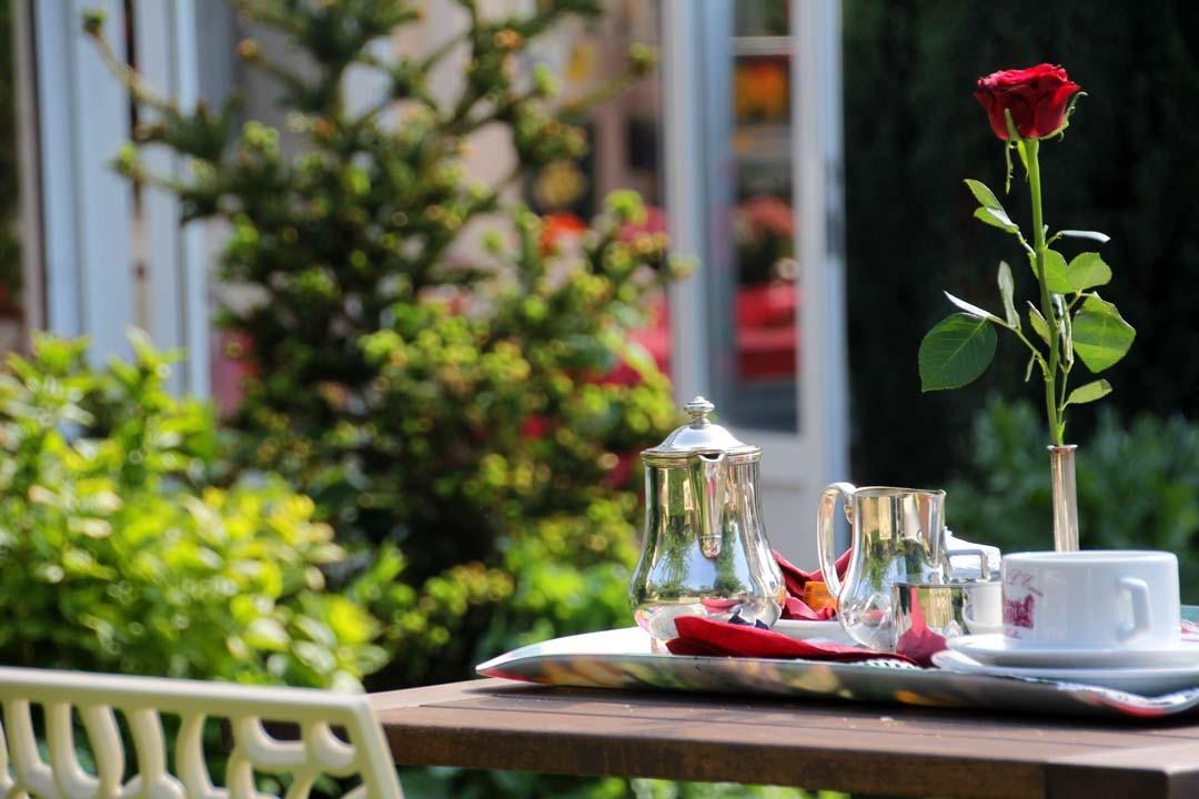 Plateau Petit déjeuner romantique