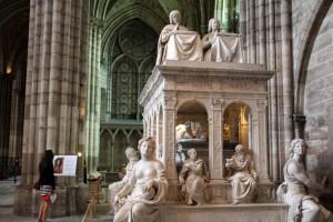 Tombeau monumental à la Basilique Saint-Denis
