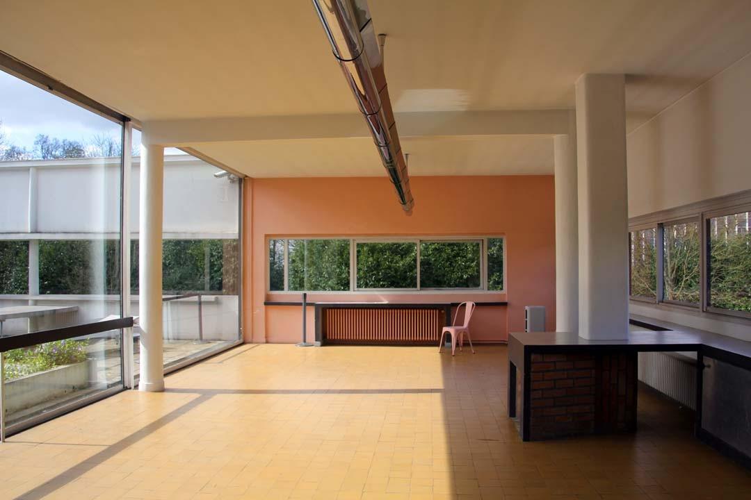 la villa savoye le corbusier happy us book. Black Bedroom Furniture Sets. Home Design Ideas