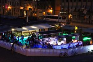 Bars sur les quais à Stockholm