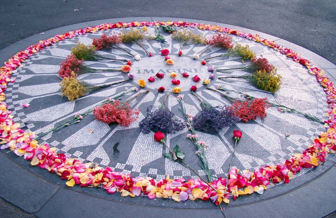 Central Park - Strawberry Fields Monument John Lennon