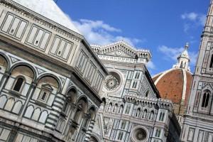 Duomo à Florence avec la coupole de Brunelleschi