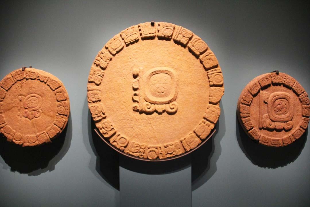 Calendrier Maya Exposition Mayas au Musée du Quai Branly à Paris