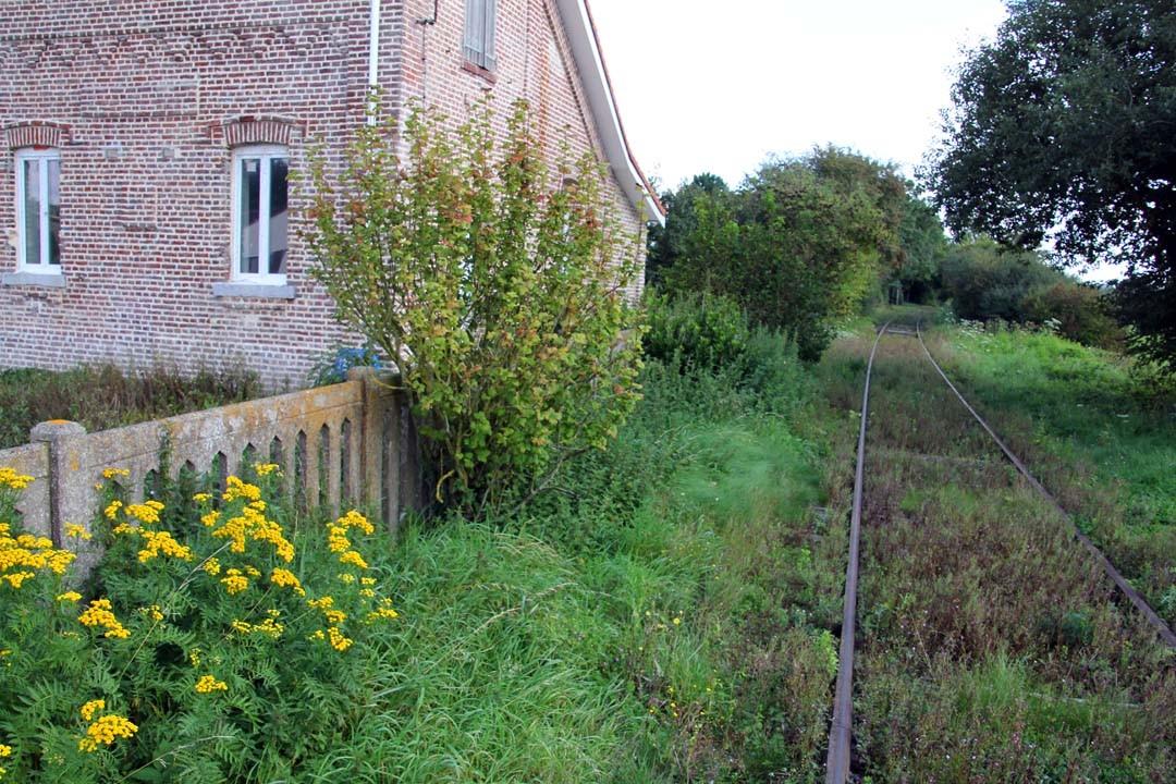 Voie de chemin de fer abandonnée