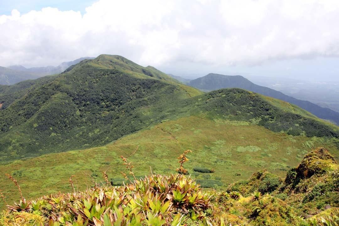 Vue sommet La Soufrière en Guadeloupe
