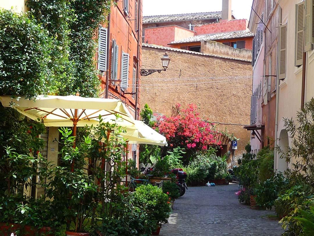 Terrasse Trattoria Quartier Trastevere à Rome