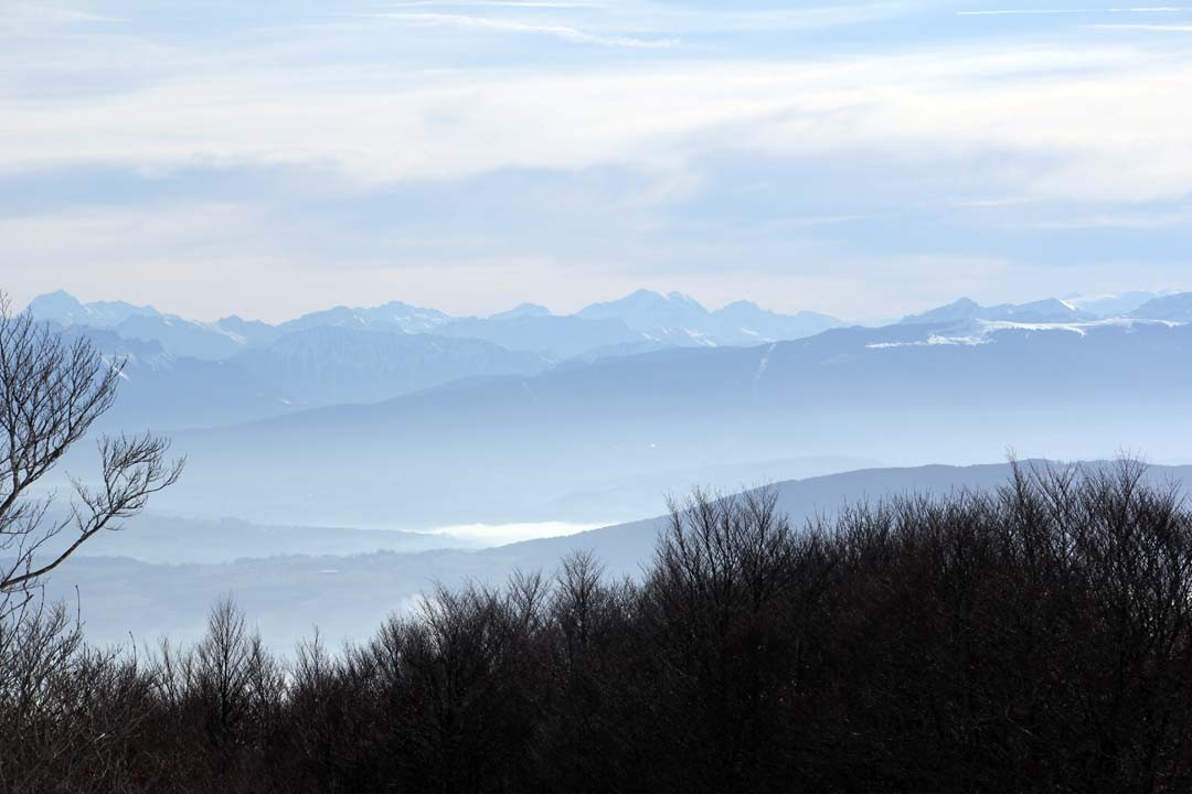 Vue depuis le belvédère Beauregard Plateau Retord Ain Montagnes du Jura