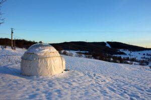 Dormir dans un igloo, hébergement insolite