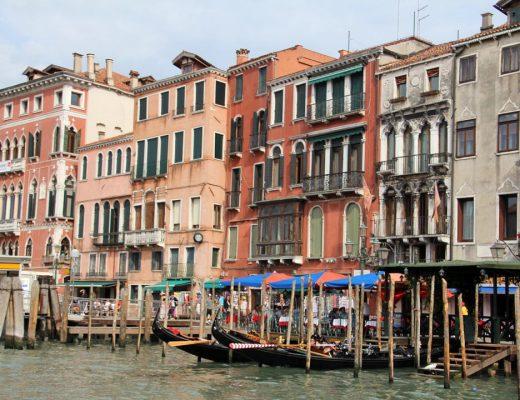 Venise, canaux, gondoles