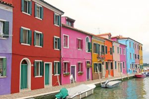 les canaux de Burano à Venise