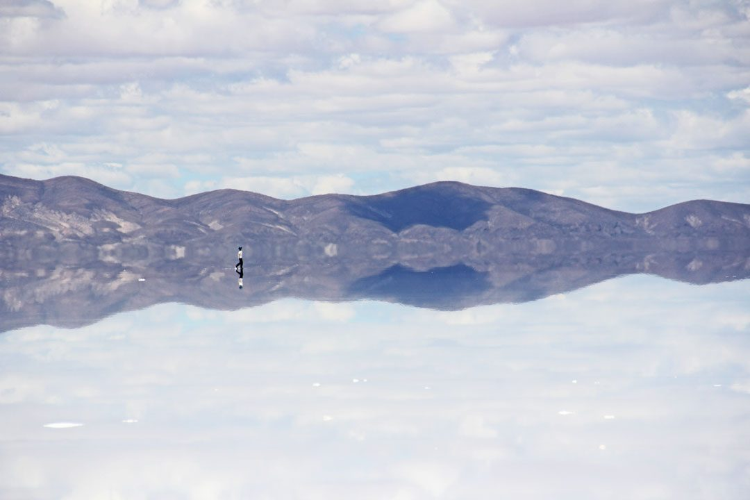Illusions d'optique au Salar d'Uyuni en Bolivie