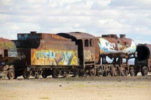 Cimetière de trains à Uyuni en Bolivie