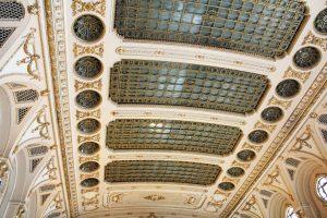 Plafonds Parlement roumain à Bucarest