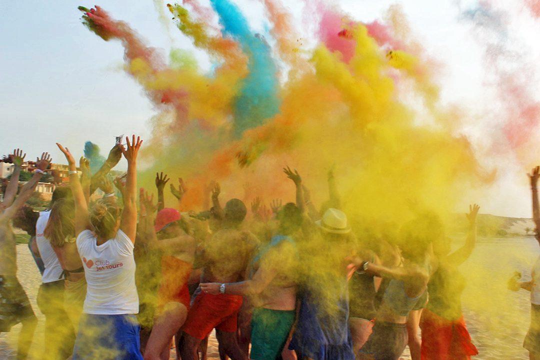 Holi, fête des couleurs ou Summer Party au Cap Vert