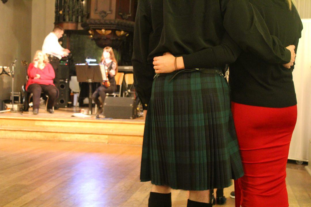 Danses écossaises lors d'unesoirée Ceilidh