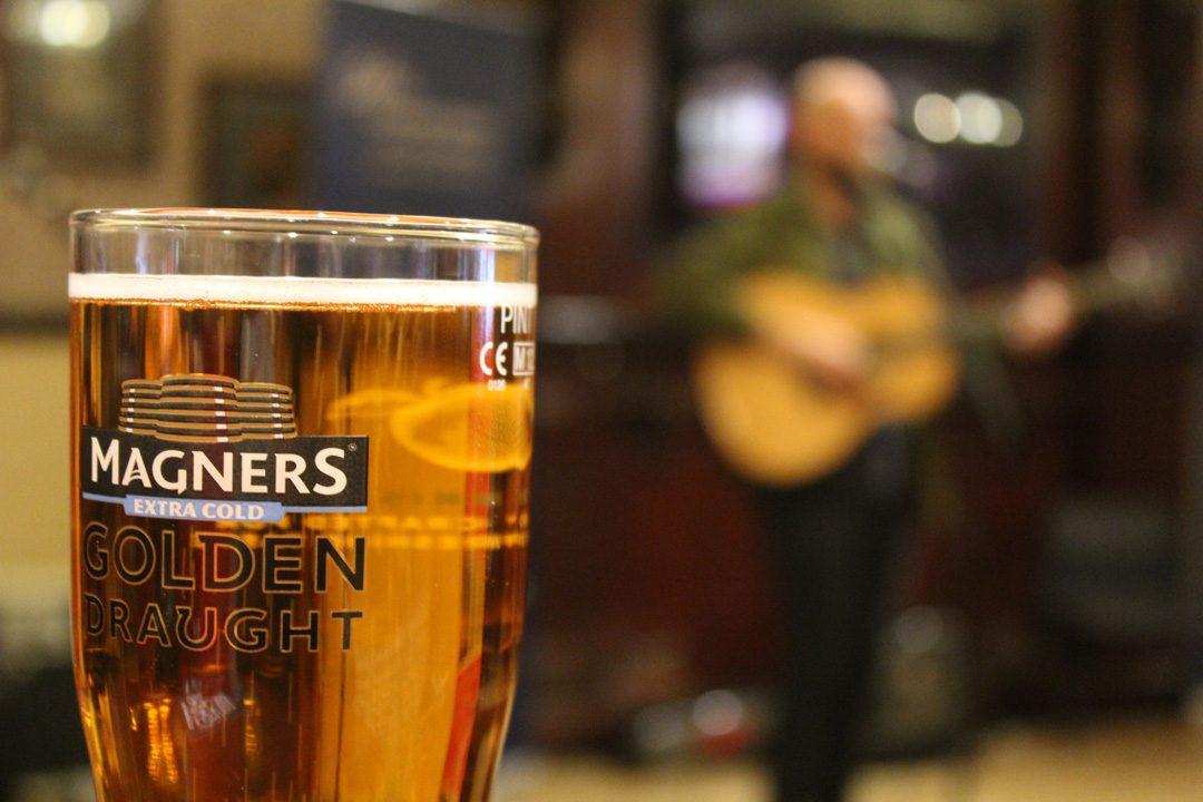 Brasserie et concert à Glasgow