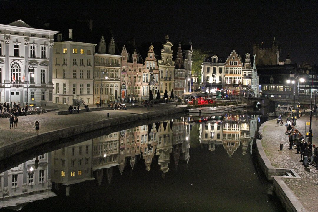 Les canaux de Gand by night