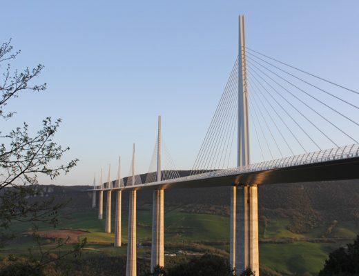 Visiter le Viaduc de Millau dans l'Aveyron
