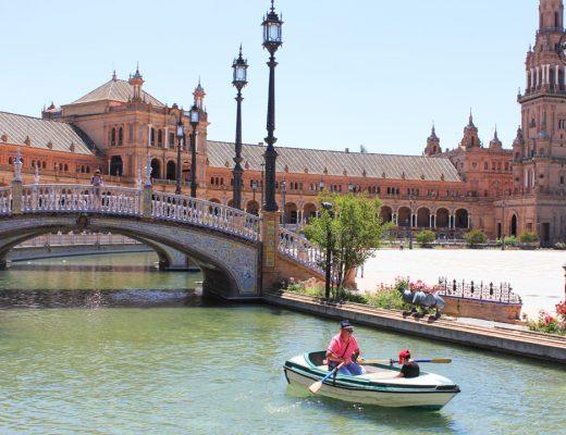 Plaza De Espana à Séville en Andalousie