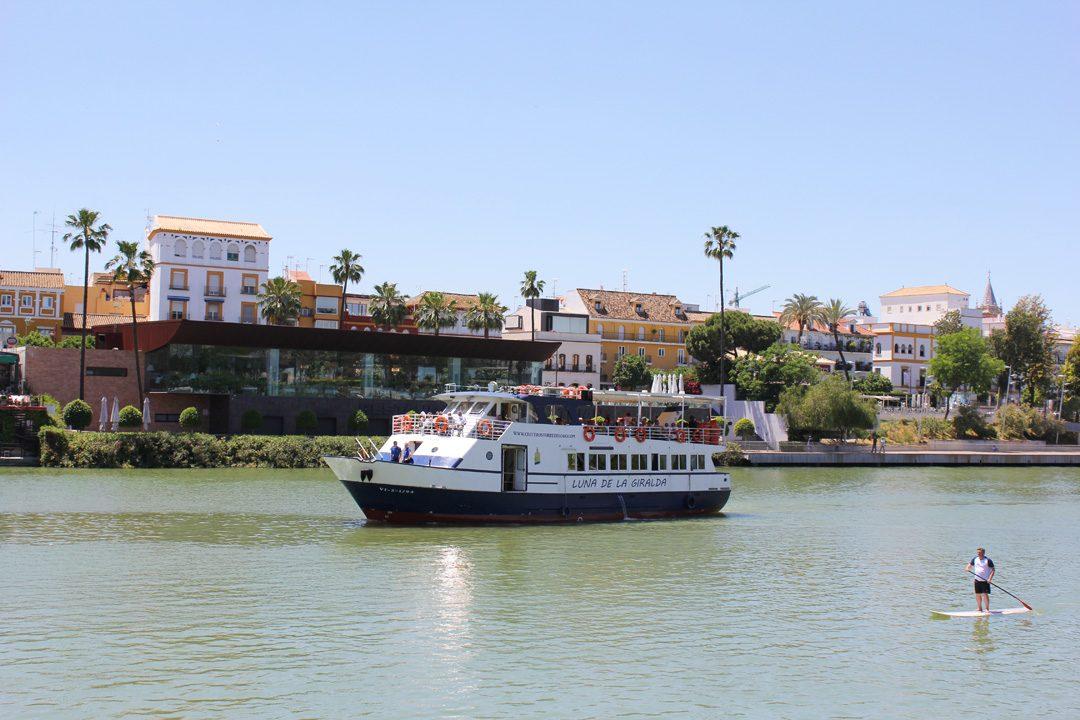 Sur les rives du Guadalquivir à Séville en Espagne